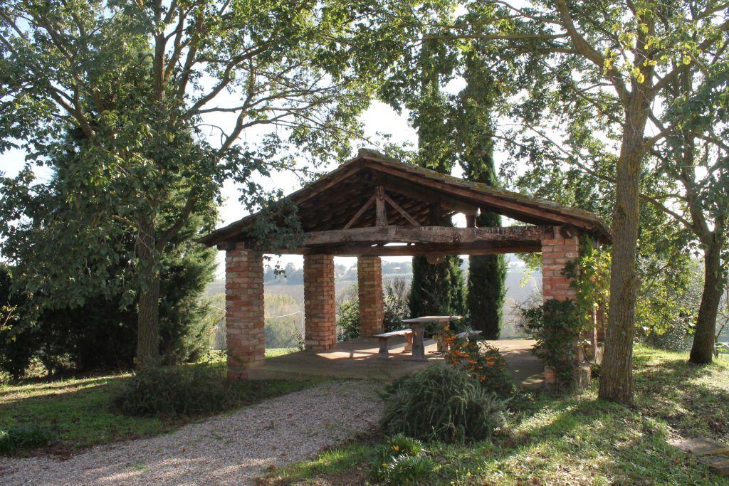 Rustici e casali in vendita a castiglione del lago for Case in vendita rovigo e provincia