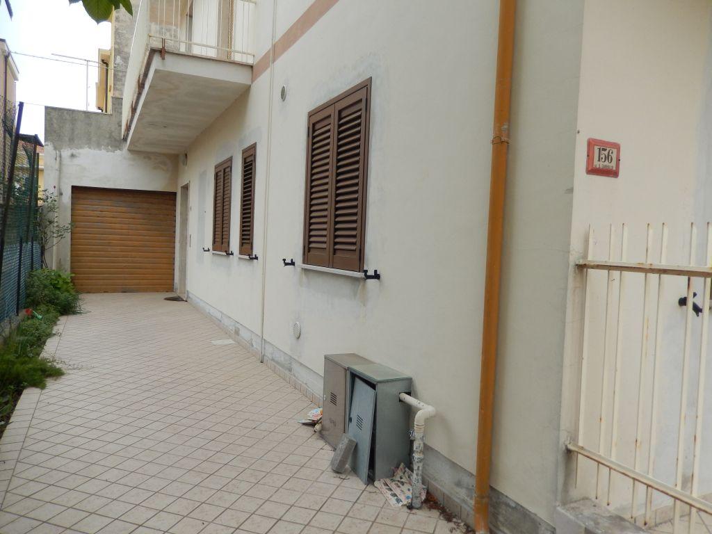 Case indipendenti in vendita a alba adriatica codice 532 for Case indipendenti affitto genova