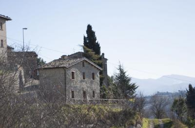 Centri Storici in Vendita a Roccafluvione #2